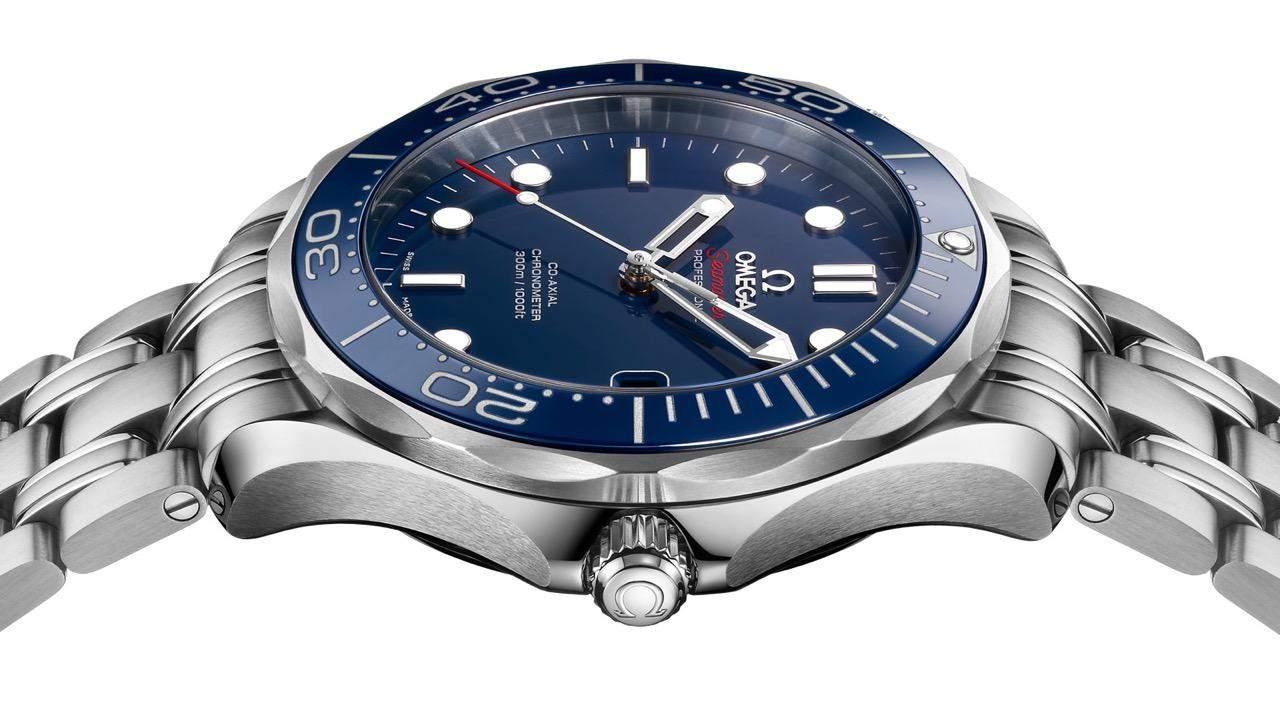 SE_Diver300M_21230412003001_Profile_1600x900_01
