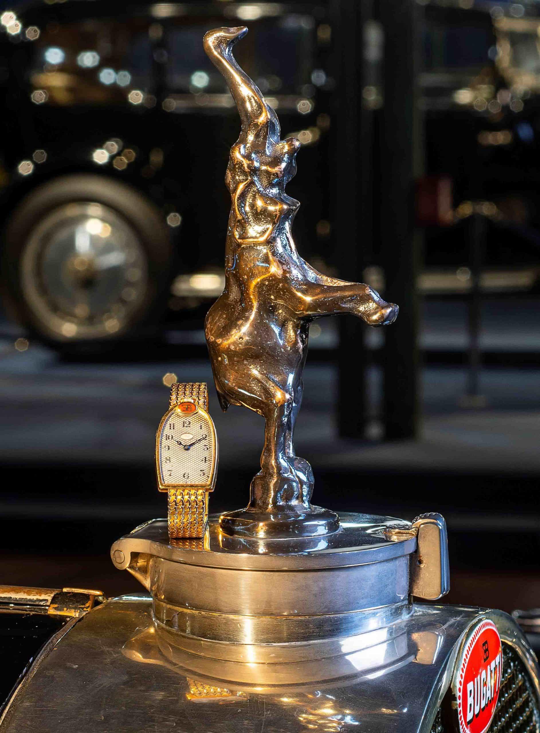 Mido Bugatti – Photographie sur la mascotte – © Vintage Watch S